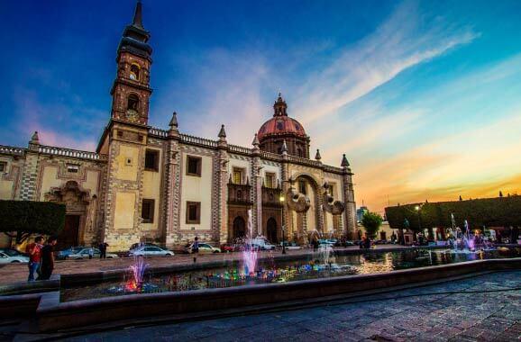 Renta de Autos en Querétaro | Europcar México